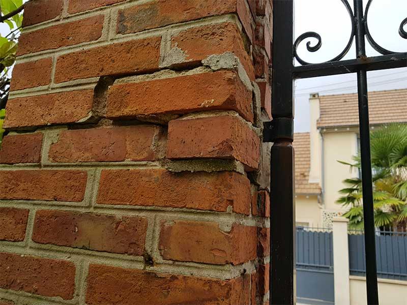 rénovation fissure pilier en brique de soutien portail Soustons